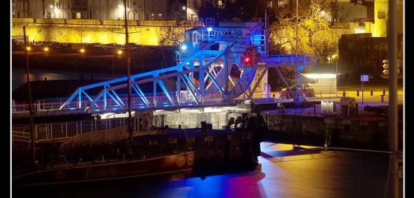 La-Rochelle-by-night.jpg